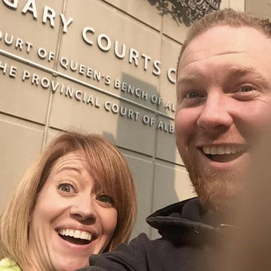 Shannon and Chris Neuman divorce selfie.