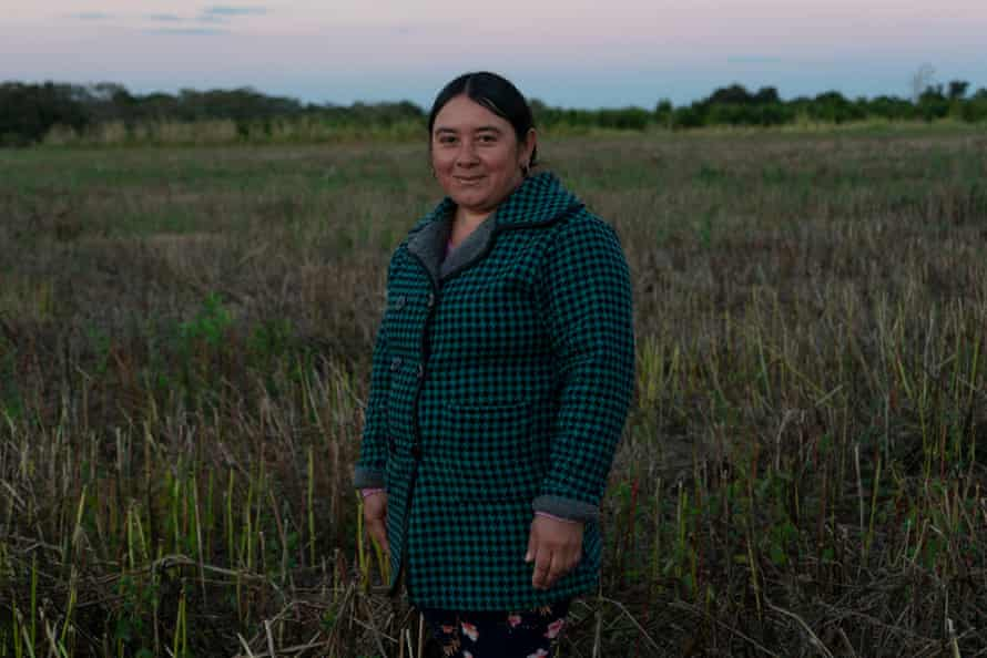 Mabel Sanchez is president of Onondive, the Onoiru women's committee that is undertaking a project to cultivate poha nana - medicinal plants in the Guarani language. The goal is to export these plants and use them to make their own products.