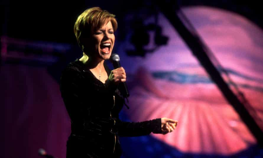 Martina McBride performing in 1997.