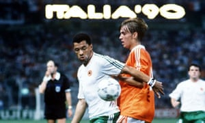 Paul McGrath of Republic of Ireland and Richard Witschge of the Netherlands. Lots had to be drawn to separate the teams in 1990.