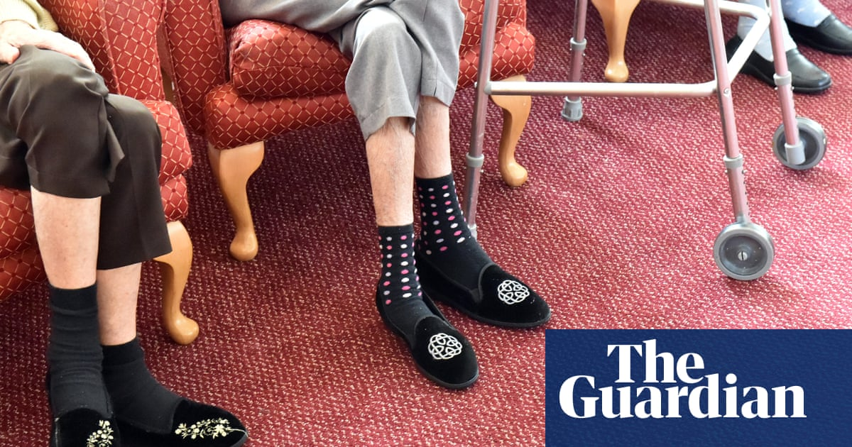 Worst care homes more likely to have poorest residents, official data shows
