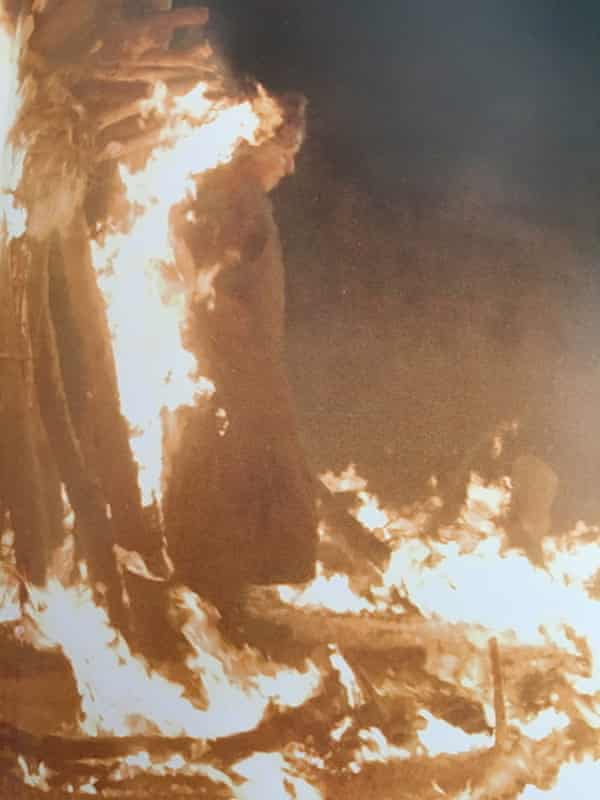 Tina Maskell performing a stunt in Games of Thrones.