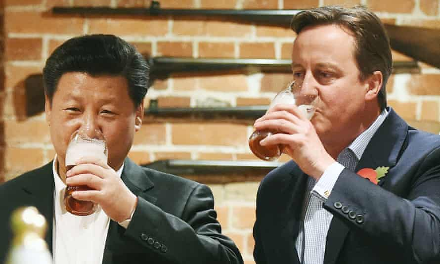 Xi Jinping and David Cameron at a pub in Princess Risborough near Chequers in October 2015