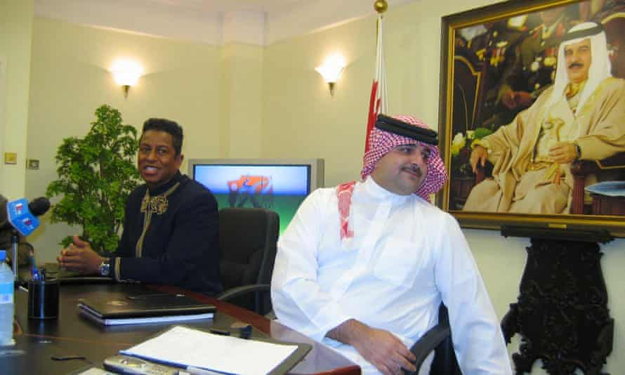 Jermaine Jackson, left, who introduced his brother to Sheik Abdulla, right. Jermaine and the prince announced their own charity single in January 2005.