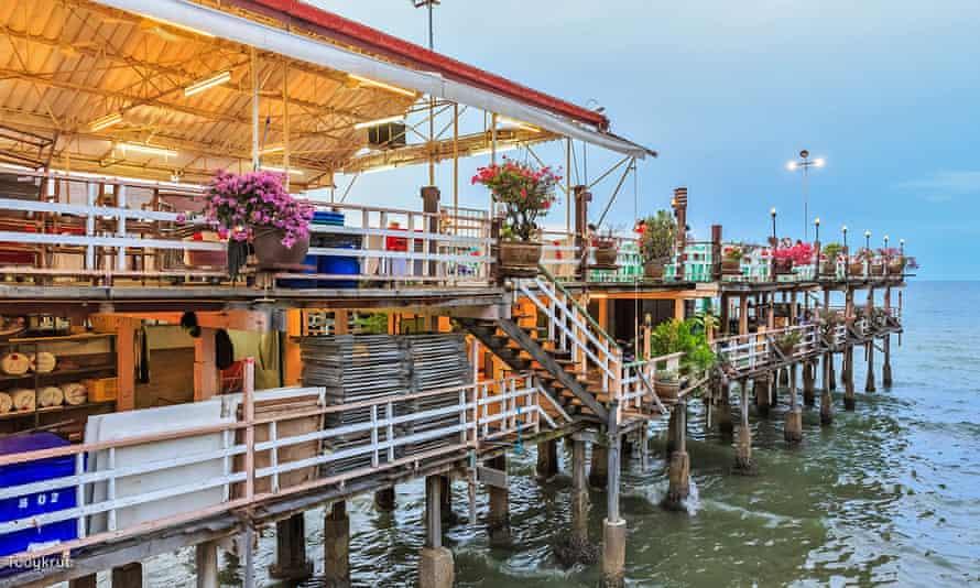 huahin overwater restaurant