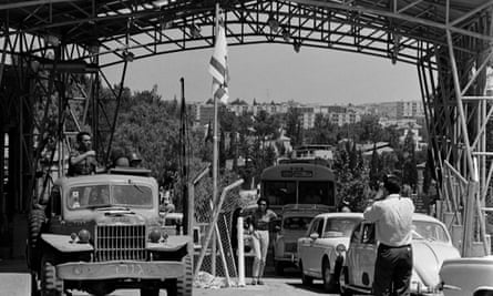 The Mandelbaum Gate checkpoint between Israeli and Jordanian sectors of Jerusalem inspired Spark's vision of divided states.