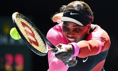 Serena Williams overcomes wobble to move into Australian Open fourth round