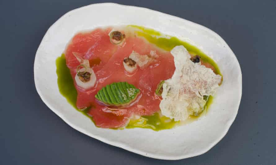 'Velvety thin folds': tuna with asparagus.