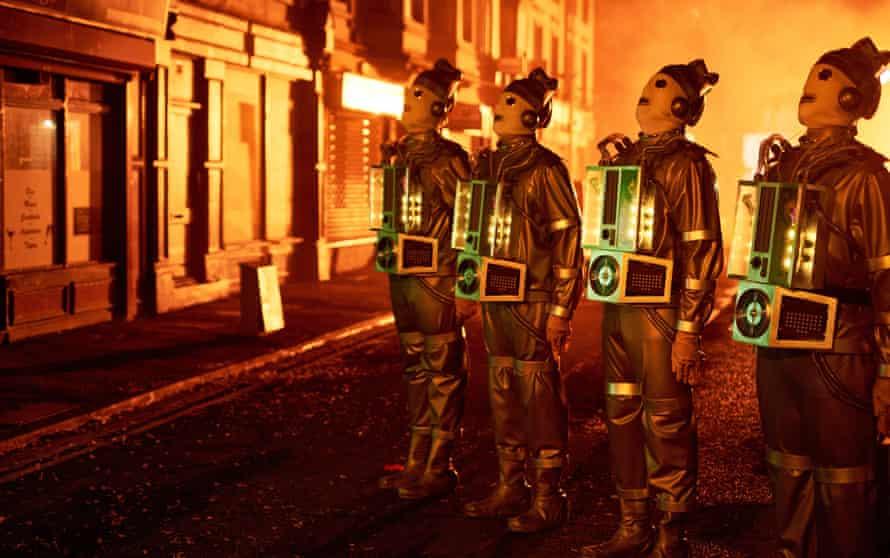 The Mondasian Cybermen line up.