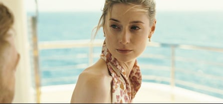 Elizabeth Debicki as Kat in Tenet.