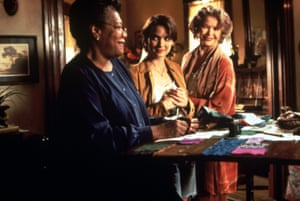 Maya Angelou (left), Ellen Burstyn and Ryder (right) in How to Make an American Quilt.