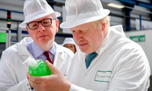 Michael Gove and Boris Johnson campaigning for Vote Leave