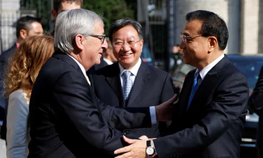 Chinese premier Li Keqiang (right) with European commission president Jean-Claude Juncker