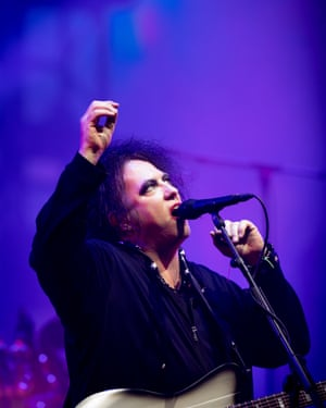 Robert Smith … reaching for the stars …