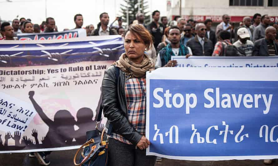 Hundreds of Eritreans demonstrate in front of the African Union headquarters in Addis Ababa, Ethiopia, asking for measures to be taken against Eritrea in June 2015.
