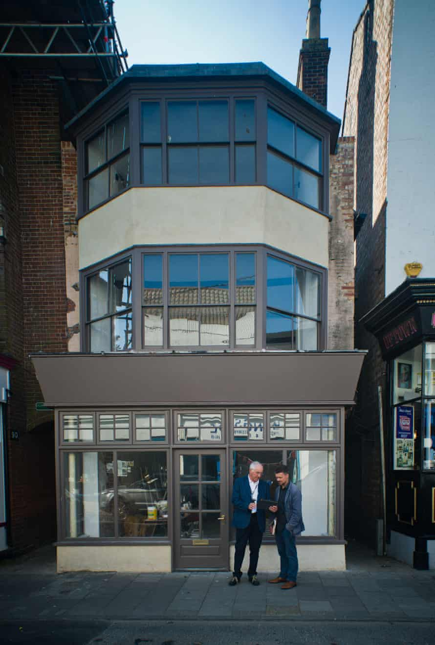 160 King Street, Great Yarmouth is a grade II-listed building dating from the 17th century.