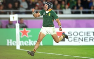 Cheslin Kolbe celebrates scoring South Africa's second try