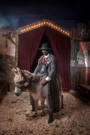 The Sheriff, played by Virgile Elana