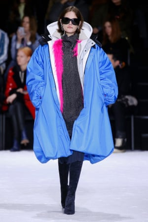 Big clothes for extreme weather at Gvasalia's show