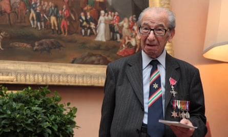 Harry Shindler receives his MBE in 2014.