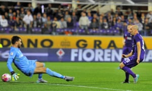 Borja Valero scores Fiorentina's second goal against Atalanta.