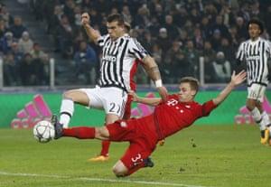 Sturaro scores the second for Juventus.