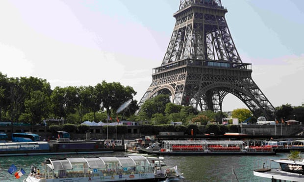 Help Revising Short French Essay?
