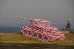 Pinktank Wrecked by David Černý.