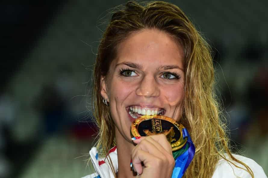 Russia's Yuliya Efimova poses during with the gold medal she won in the women's 100m breaststroke at the 2015 World Championships in Kazan