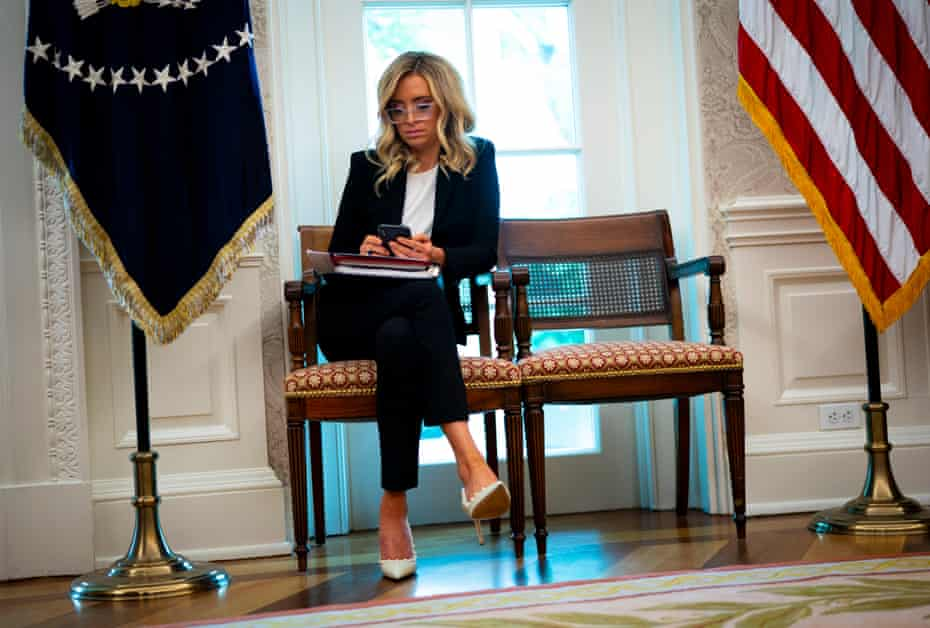 McEnany attends a meeting between Donald Trump and Iowa goernor Kim Reynolds t in the Oval Office.
