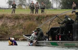 Piedras Negras, Mexico A US border patrol boat rescues migrants