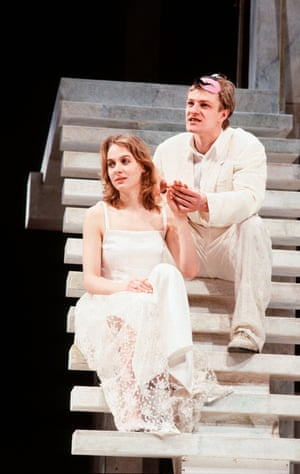 Niamh Cusack and Sean Bean in the RSC's 1986 production, directed by Michael Bogdanov.