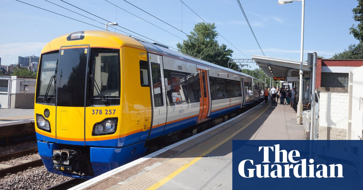 london commuters told to walk along track near live rail inquiry