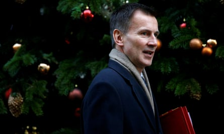 Jeremy Hunt declared himself a born-again Brexiter just when the full magnitude of its horrors were revealing themselves.