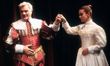 Philip Voss (Bassanes) and Emma Fielding (Penthea) in The Broken Heart by John Ford at the Swan theatre, Stratford-Upon-Avon, in 1994