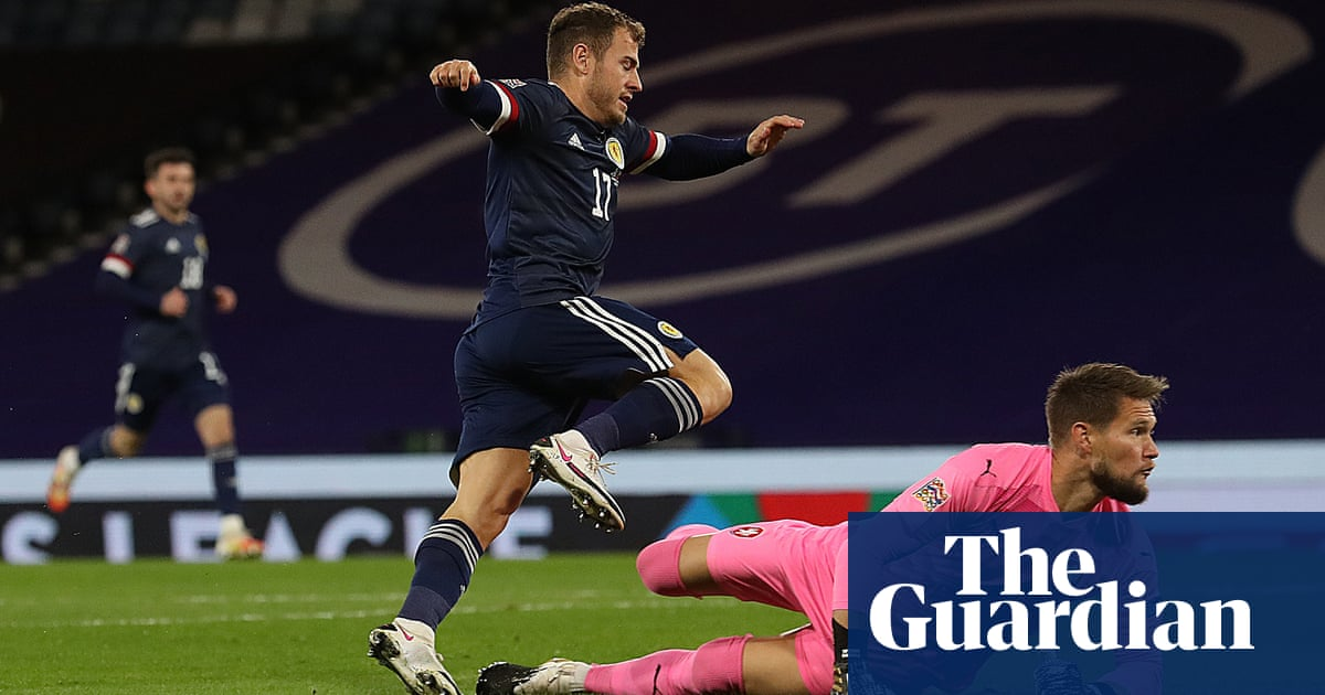 England see red, Scotland soar and Big Picture fades – Football Weekly Extra