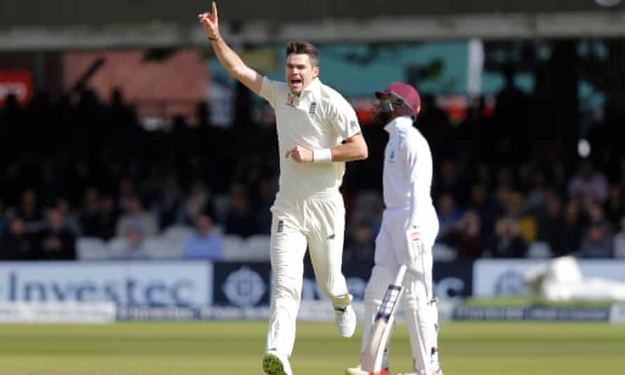 Jimmy Anderson celebrates the Royston Chase window on the third day of the Trial of the Lord against the West Indies in September 2017