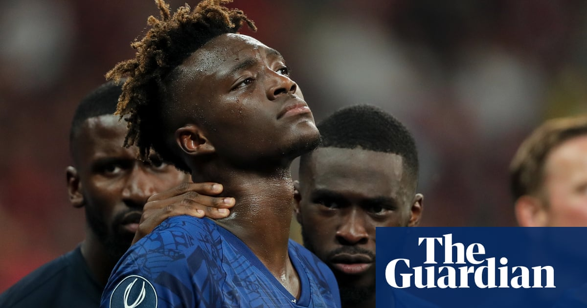 Frank Lampard disgusted by racist abuse directed at Tammy Abraham –video