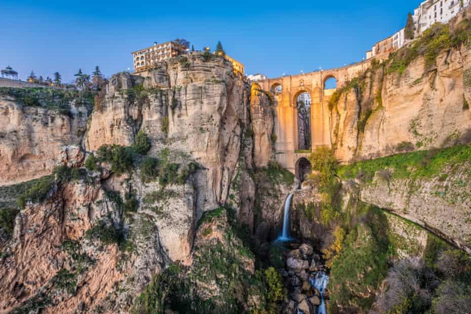 Vista del atardecer de Rhonda, España