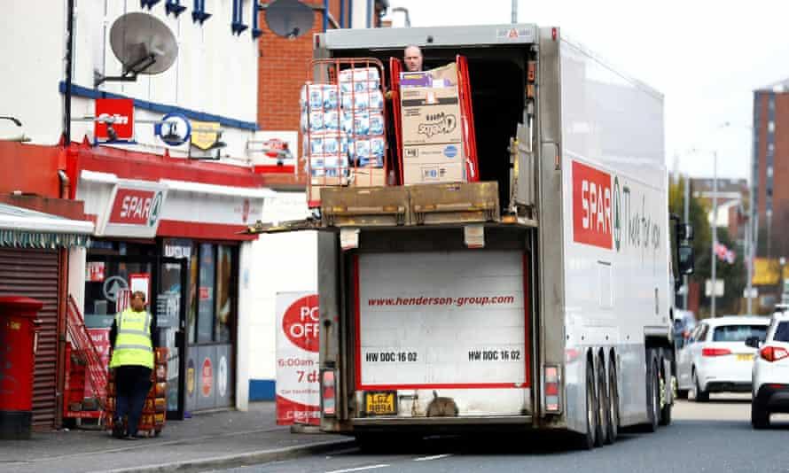 O livrare se face la un supermarket Spar din Belfast.