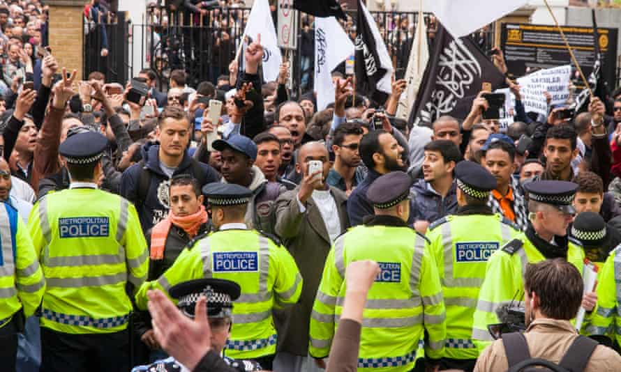 Police separate an Islam4UK group protest at Regent's Park Mosque from far-right anti-Islamists in 2014.