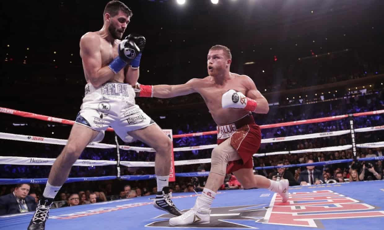 Canelo Álvarez against Rocky Fielding