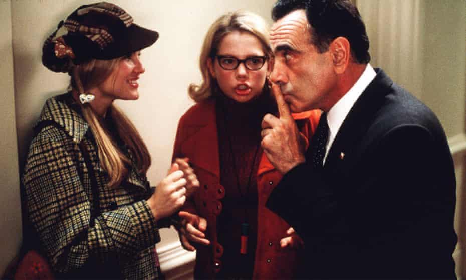 Kirsten Dunst, Michelle Williams and Dan Hedaya in Andrew Fleming's Nixon satire Dick (1999).