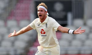 Stuart Broad appeals for the wicket of Shadab Khan, given out after review.