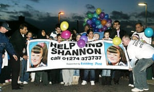 The community of the Moorside estate in Dewsbury, West Yorkshire work together, a week after Shannon Matthews went missing, February 2008.