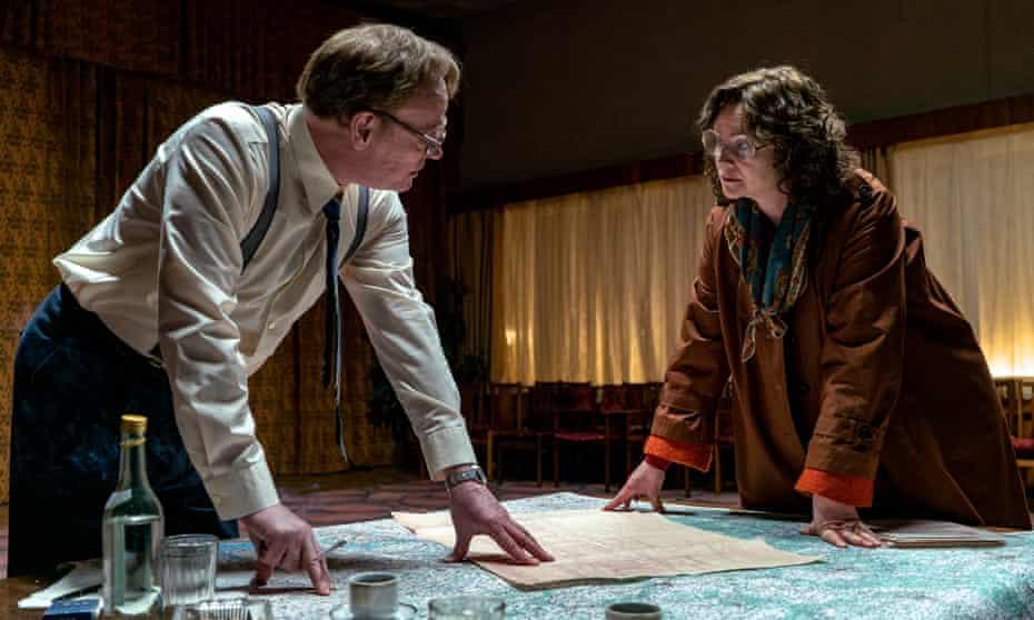 Brittle nobility … Jared Harris as Valery Legasov with Emily Watson as Ulana Khomyuk.