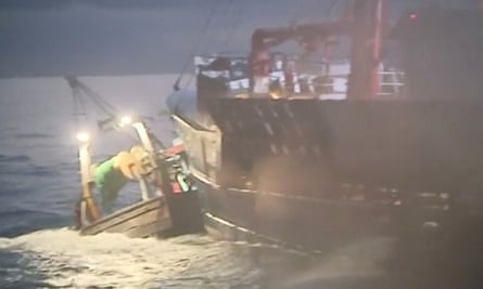 French and British fishing boats collide in the Channel over scallop fishing rights in 2018