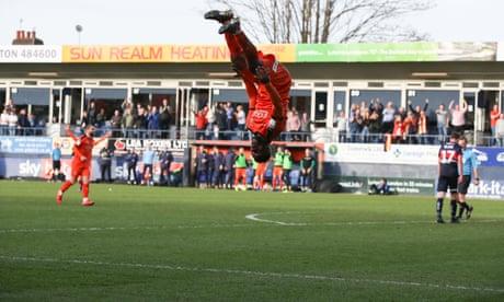 Football League: Luton extend unbeaten run as Portsmouth go third