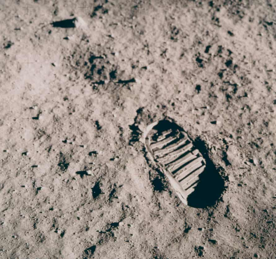 The astronaut's footprint on the Moon, July 16-24, 1969