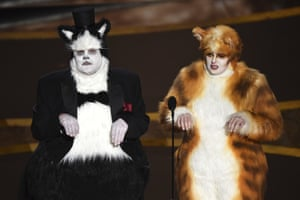 James Corden and Rebel Wilson dressed as cats – to make jokes about visual effects.